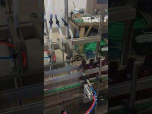 Stroj za polnjenje s tekočino v 4 glave